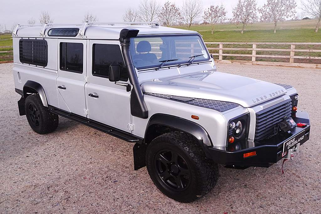 Land Rover Defender 130 Station Wagon Long -