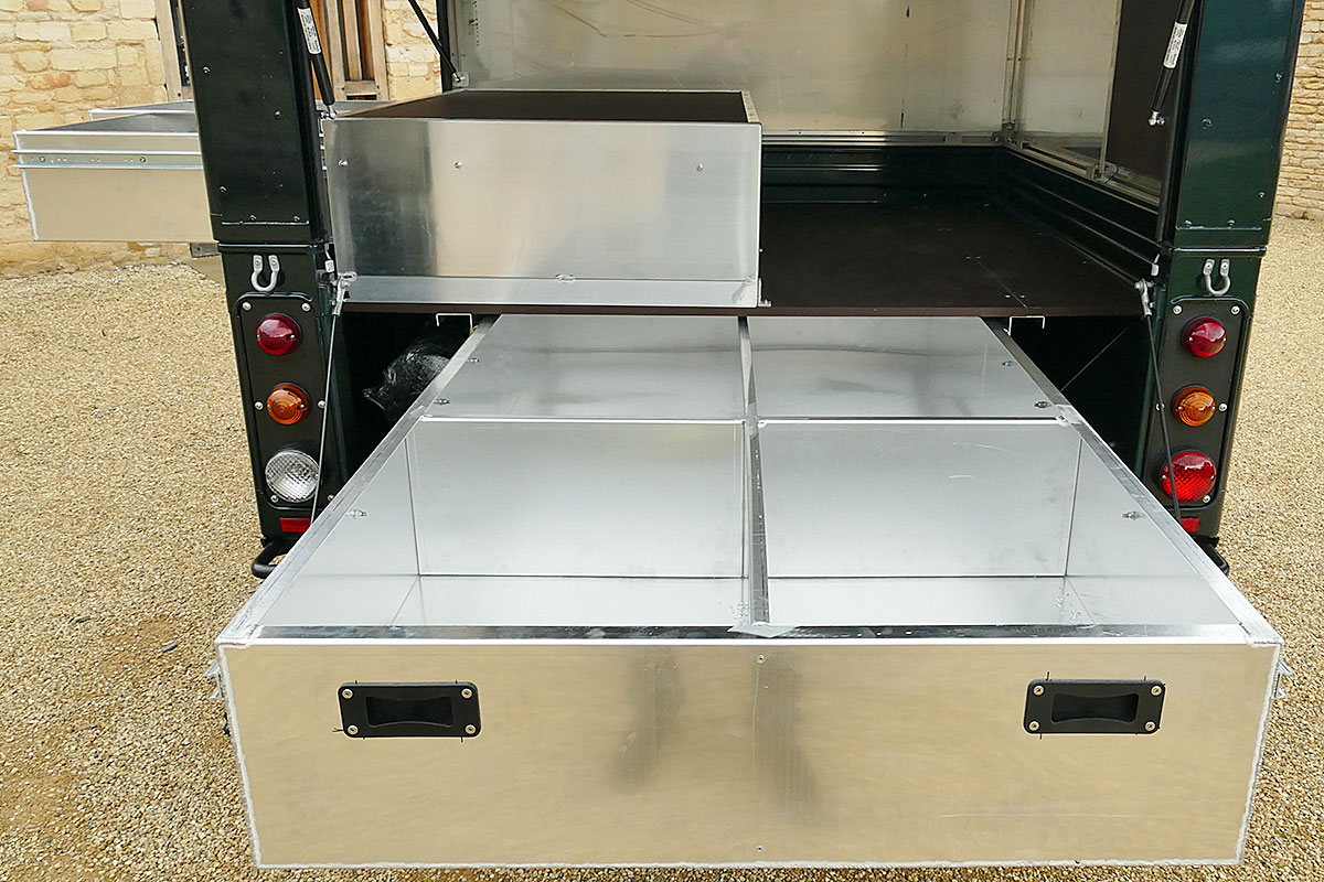 Defender 130 Camelbac With Storage Drawers