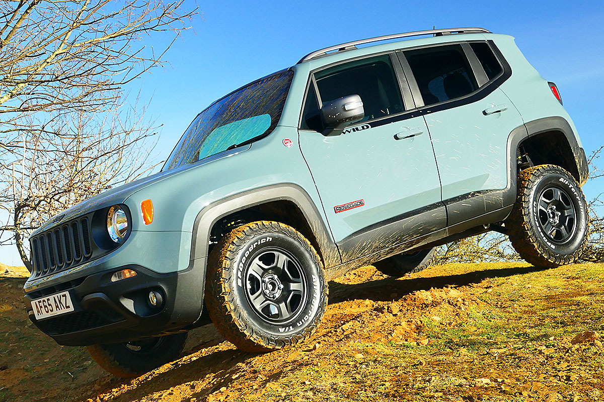 Jeep Renegade Trailhawk Lift >> Wild Jeep Renegade Trailhawk