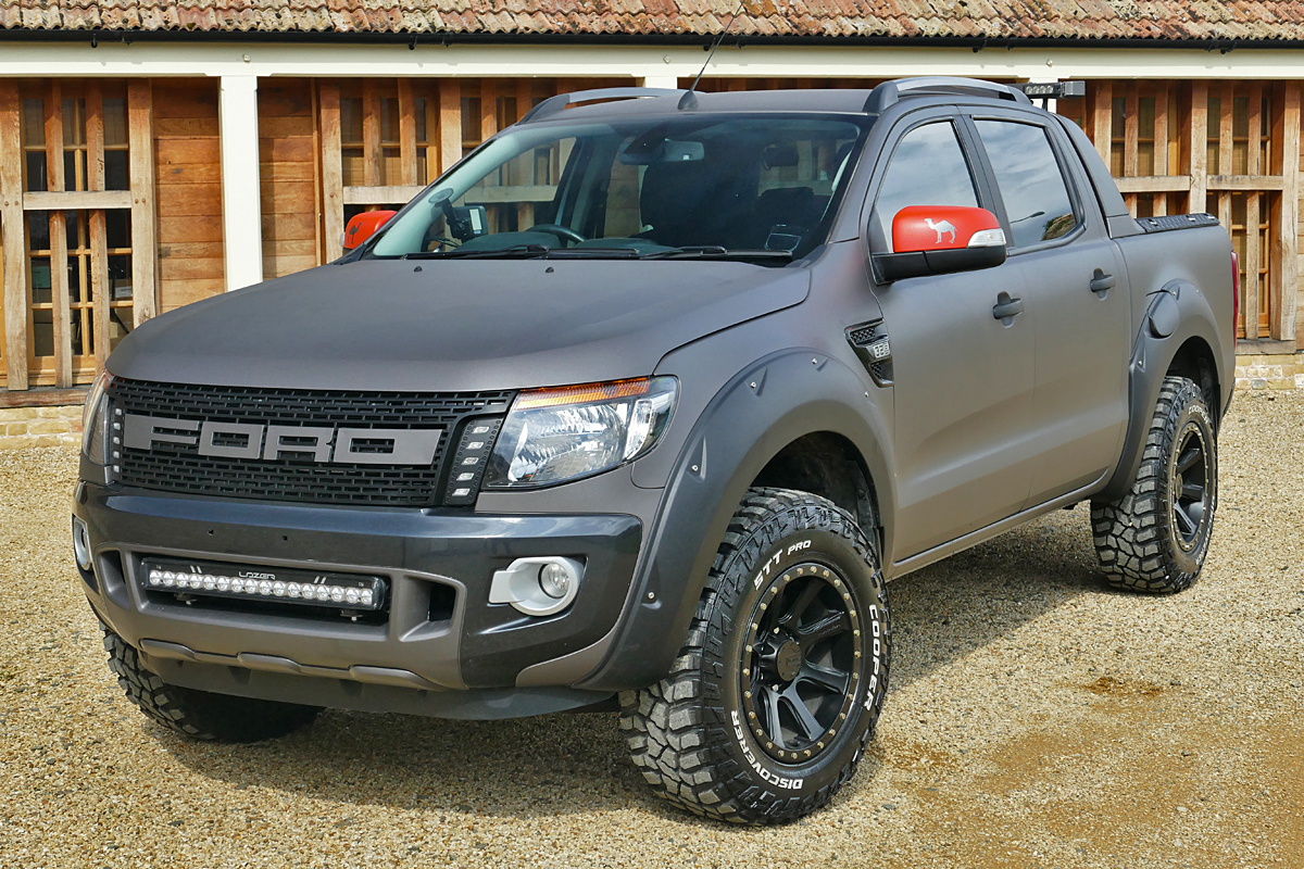 FORD RANGER 32 250 Wildtrak Desert Street Fighter