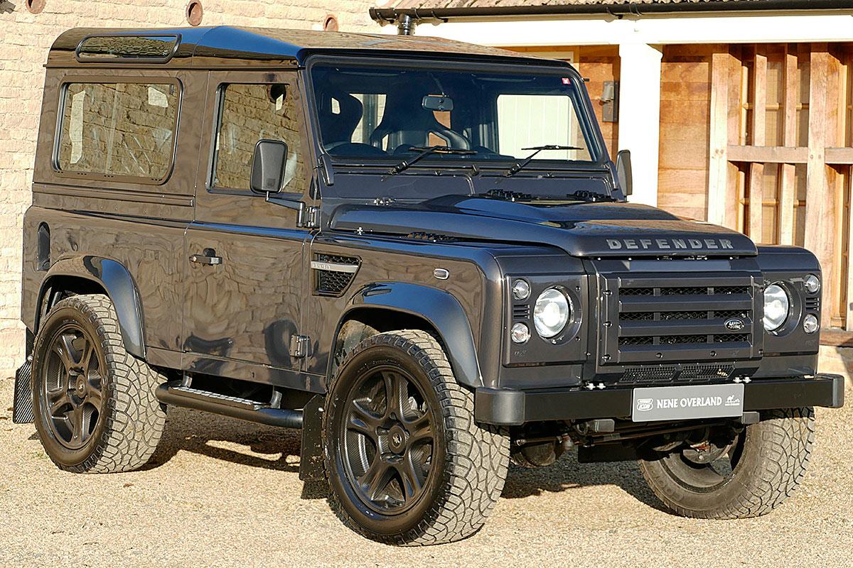 Land Rover Defender 6.2 LS V8 Station Wagon -