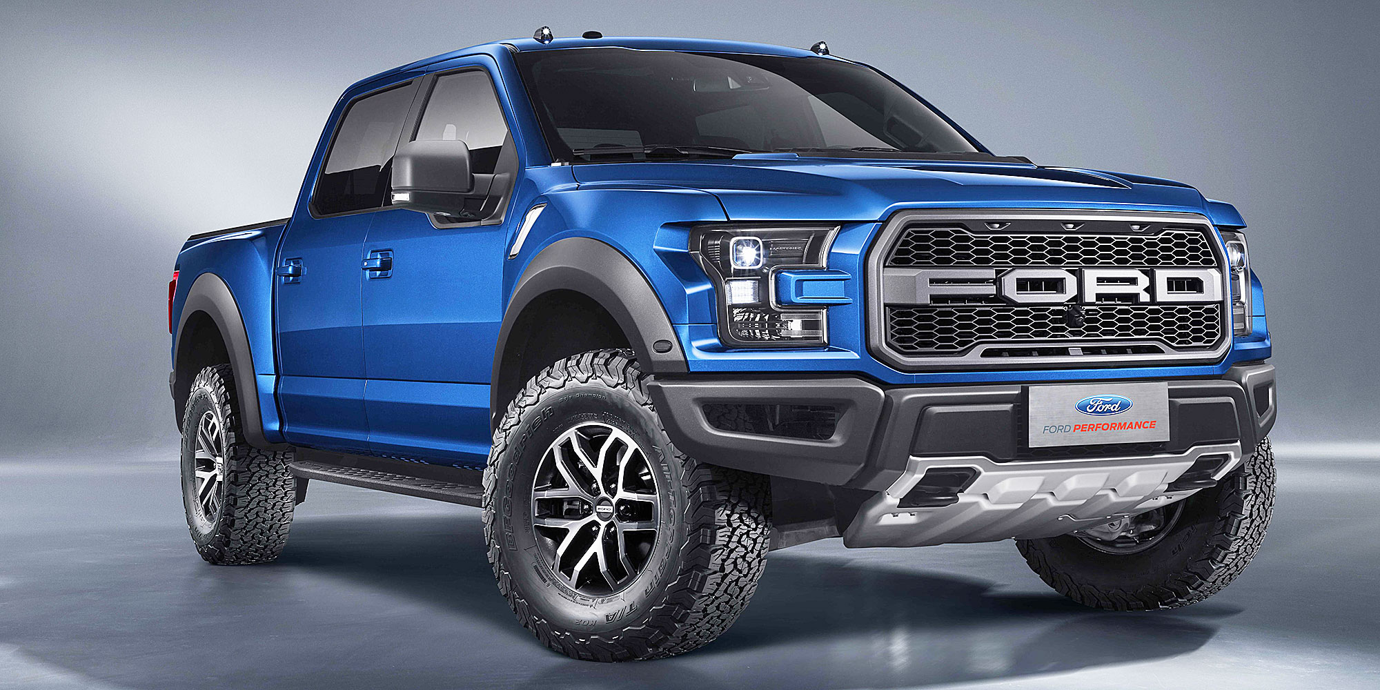 2017-ford-f-150-raptor-supercrew-1