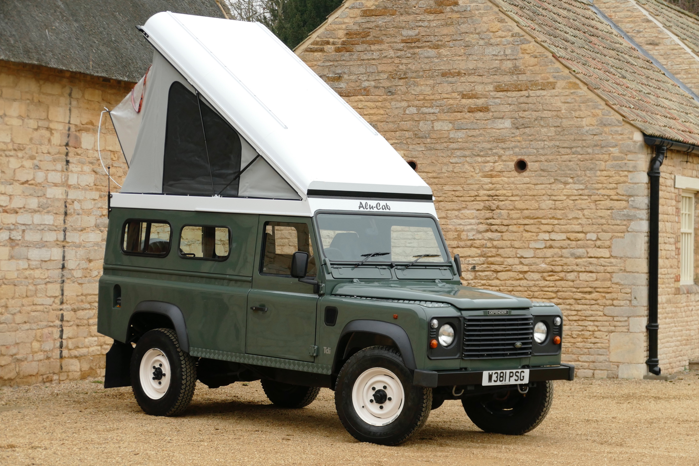 Land Rover Defender 110 Alu Cab Lift Up Roof Conversion